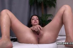 Leona pumps herself and has a piss treat