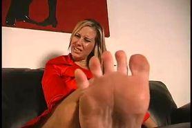 Maitresse Madeline Feet Instruction