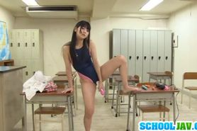 Rei uses vibrator in classroom