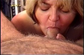 Amateur MILF Wife Sucking & Swallowing