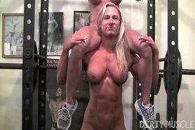 2 muscle girls workout