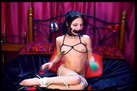 Cam: Webcam self bondage show