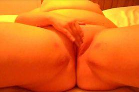 Chunky mama rubbing herself