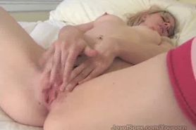 Sweet Anna spreads her pussy lips