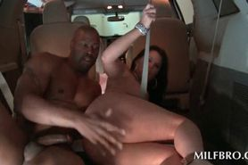 Trashy voluptuous MILF humping massive shaft in the car