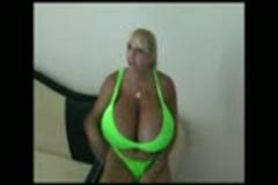 Maxi Mounds - Green Bikini