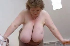 No Sound: Mature bbw with massive tits