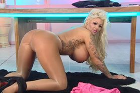 Bimbo Candy Charms chat on TV 04
