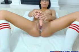 Latina pussy get super creamy with