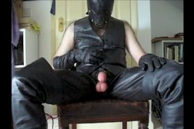 Leather Master Cums on his Leather