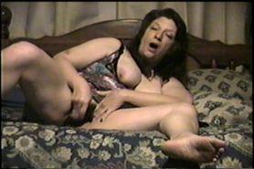 Linda Housewife Masturbation 3