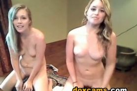 hot lesbian live webcam