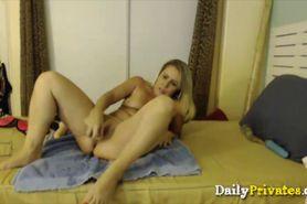 Pornstar Nikki Charm gets squirt