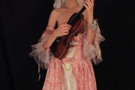 masturbating violonist