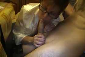 Amateur MILF with glasses Blowjob