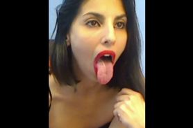 brunette 2 tongue