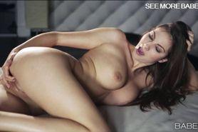 Luscious babe Connie Carter pleasuring
