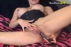 No Sound: Girl webcams playing on her pussy