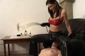 Facesitting mistress Sarka