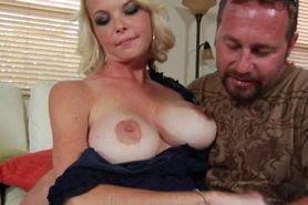 Voluptuous MILF seducing her neighbor and getting oral