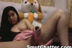 Brunette honey toying her wet pussy on web cam