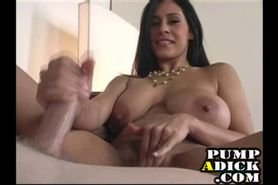 Big tit MILF loves handjobs