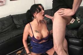 Milf tasting hot jizz and sucking