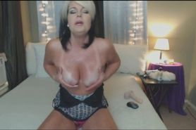 Heavy Squirting Mature