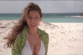 Kelly Brook bouncing tits on the beach