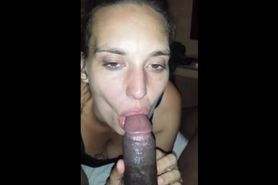 White chick loves sucking a BBC