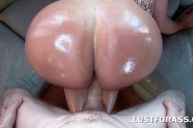 Hot butt slut giving blowjob in POV style