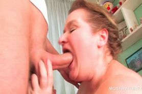 Chubby mature nympho nailed deep in her cunt from behin