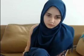 Hijab Girl Naked on Webcam
