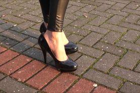 Black legging with high heels 01
