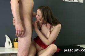 Nolita takes warm piss shot on her pink cunt