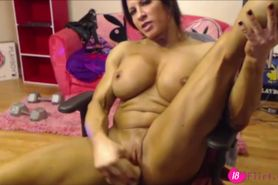 Busty babe AngelaSalvagno
