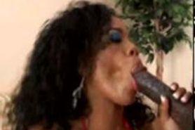 Sydnee Capri ebony thick anal