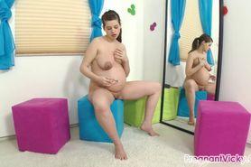 Pregnant Vicky - vid.2