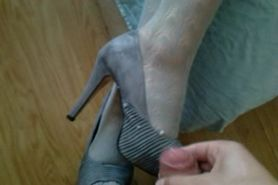Feet cuming