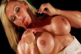 Clit licking muscle lesbians