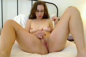 hot mom eating creampie camgirl888.com