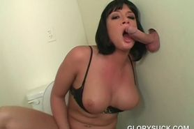 Brunette takes a mouth full of jizz on gloryhole