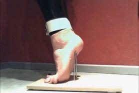 Slavegirl Nicole - Foot Torture to stand on Tiptoe