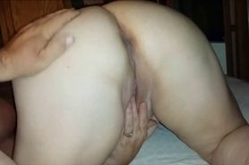 Fingerfucking a BBW in the butt